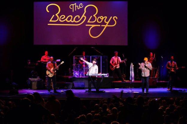 BeachBoys-atBeacon (twitter.com)