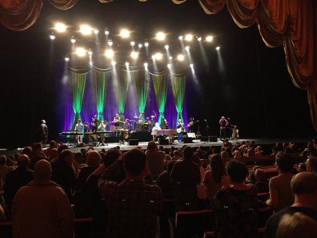 Brian-Wilson-stage (twitter.com:brianwilsonlive)