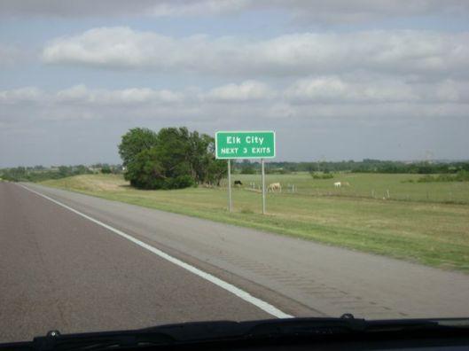 ElkCityOklaRoadSign (crosscountryroads.com)